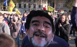 Hinchas escoceses aclaman a Maradona